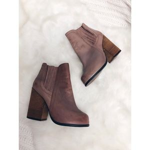 Jeffrey Campbell | Brown Leather Knick Out Booties